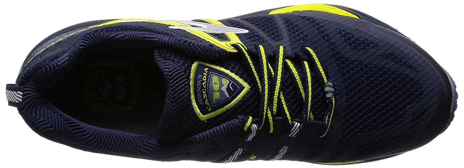 the upper of the Brooks Cascadia 10 features fused overlays and flexibility for a comfortable fit