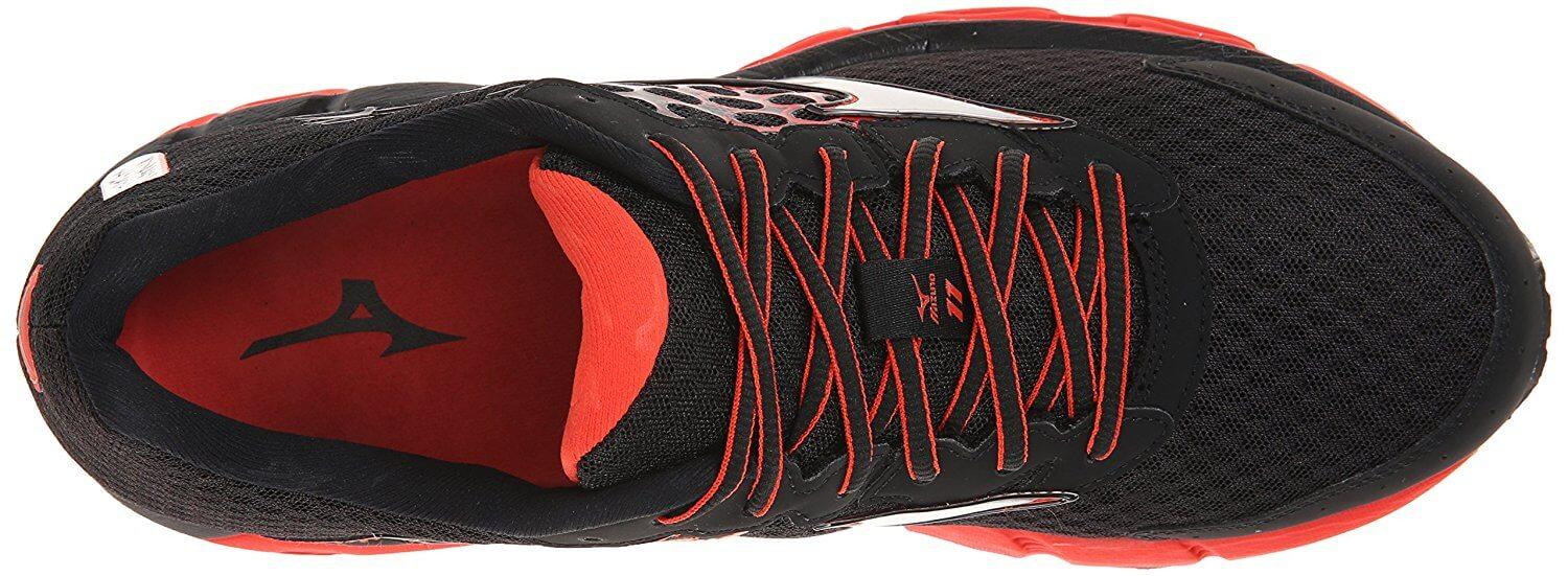 The upper portion of the Mizuno Wave Inspire 11 is highly cushioned and comfortable.