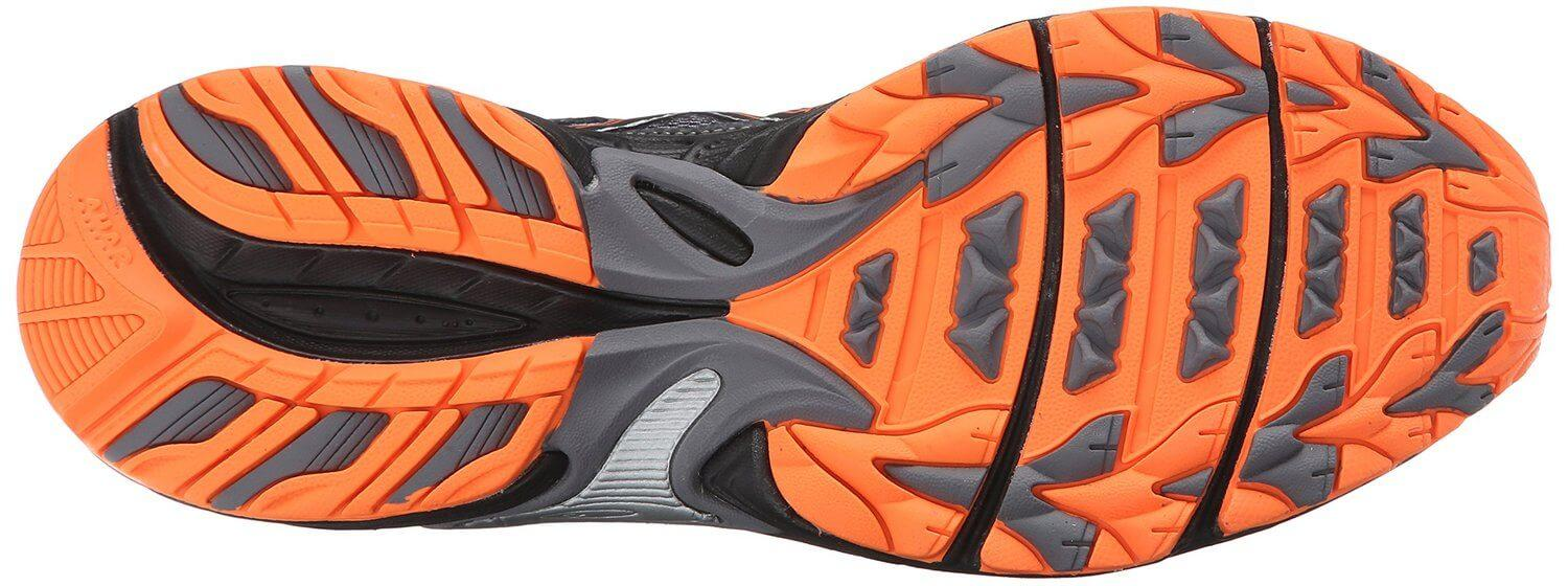 the outsole of the Asics Gel Venture 5 features numerous horizontal and vertical flex grooves to encourage a natural running stride