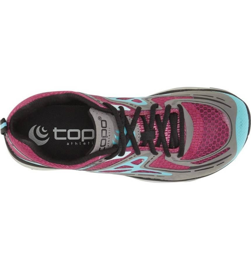 The foot cradle implemented in the Topo Athletic Tribute encourages a natural stride.