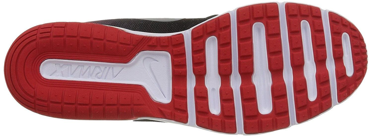 The U-shaped rear section of the Nike Air Max Sequent's outsole promotes high responsiveness.