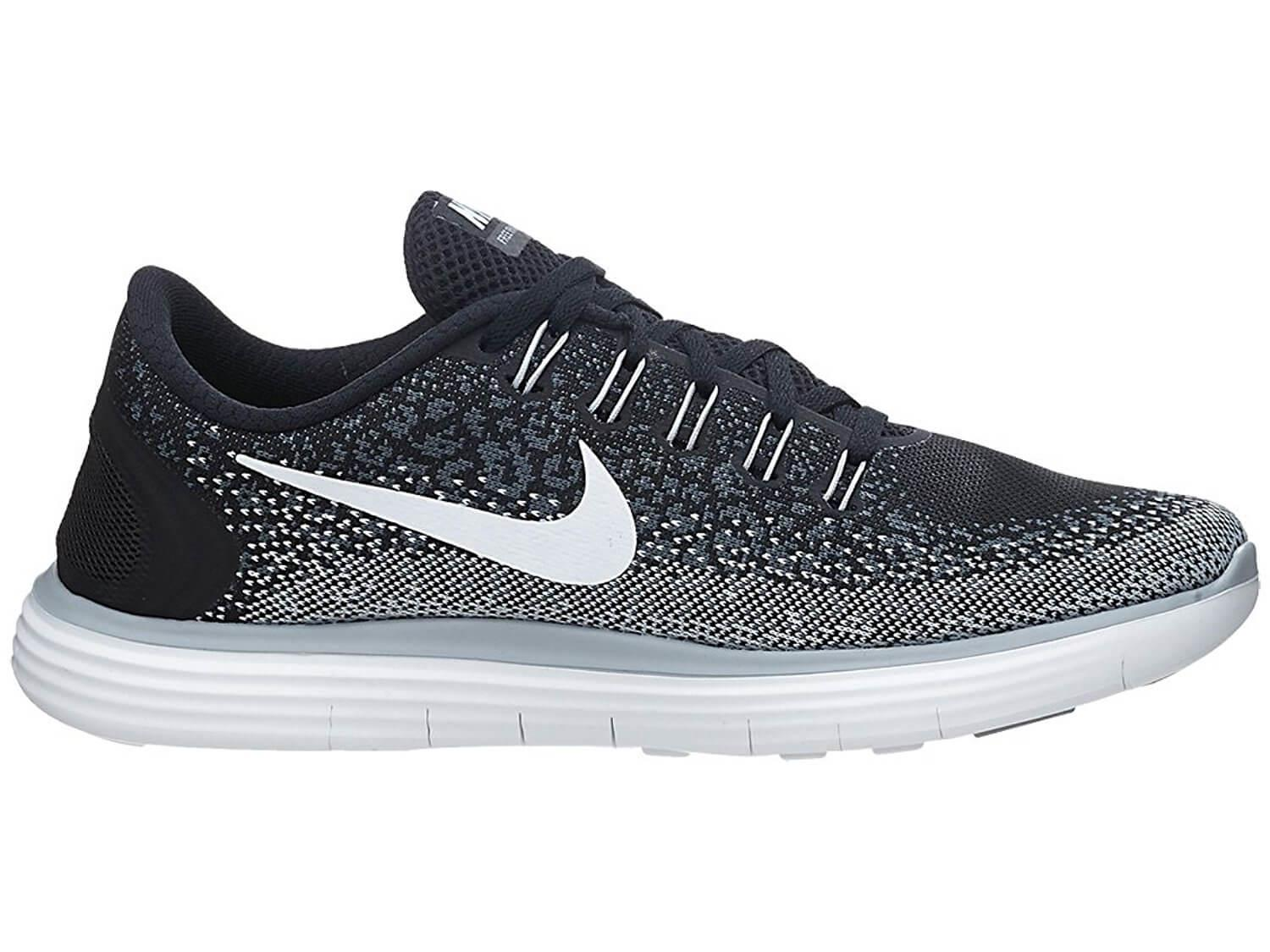 1f4ba7490aa ... Responsiveness and cushioning go hand-in-hand with the Nike Free RN  Distance s midsole ...