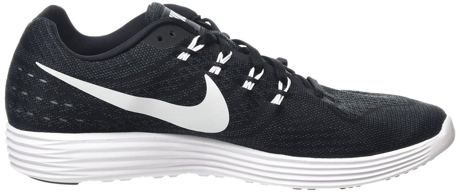 2875cb322099 The midsole and outsole have been combined on the Nike LunarTempo 2.