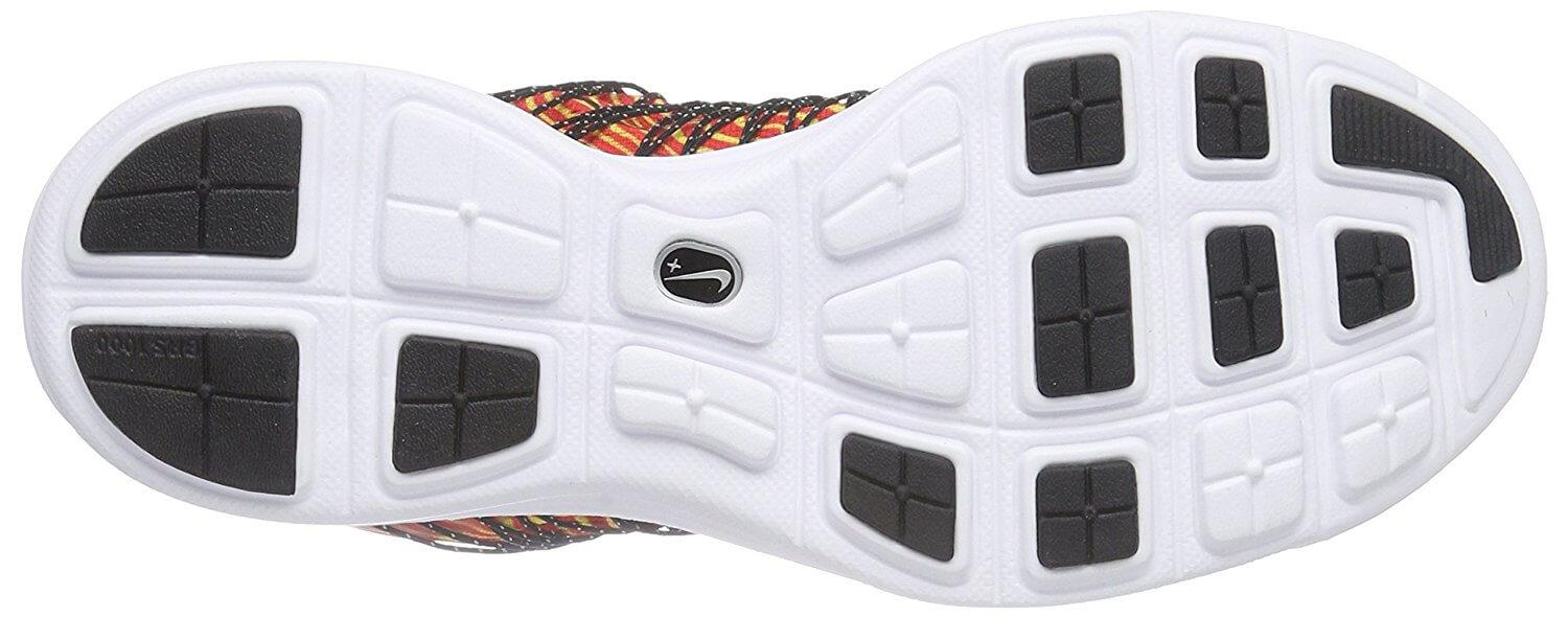 e214d86c37e5 ... high-wear areas of the outsole of the Nike LunaRacer 3 are covered with  durable