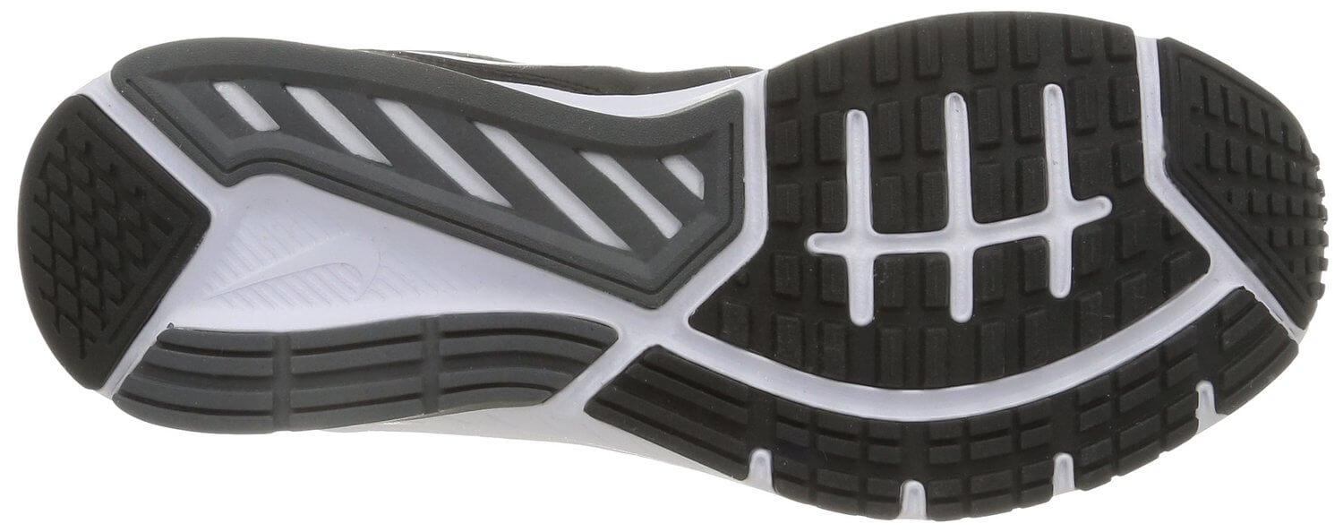 The outsole of the Nike Dart 11 offers a fair amount of traction