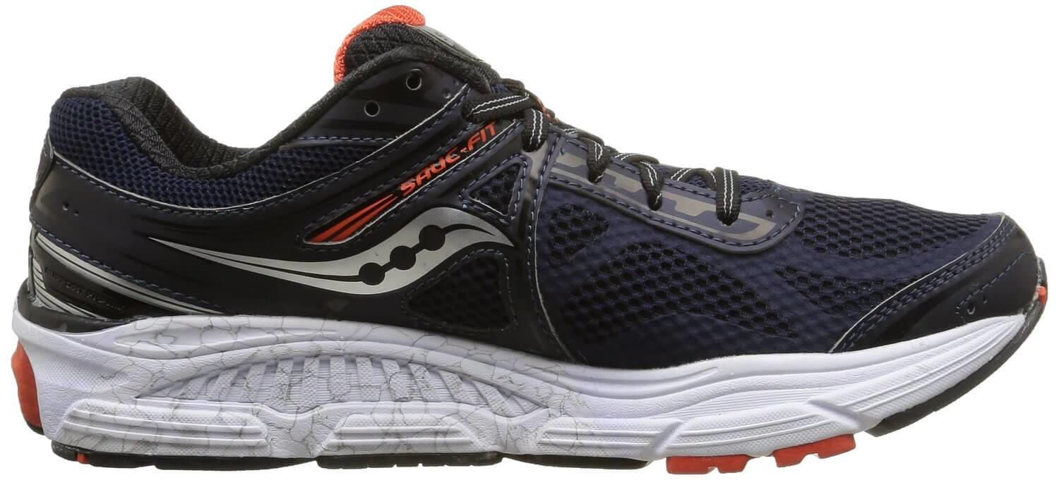 The Saucony Omni 14 shows impressive amounts of cushioning.