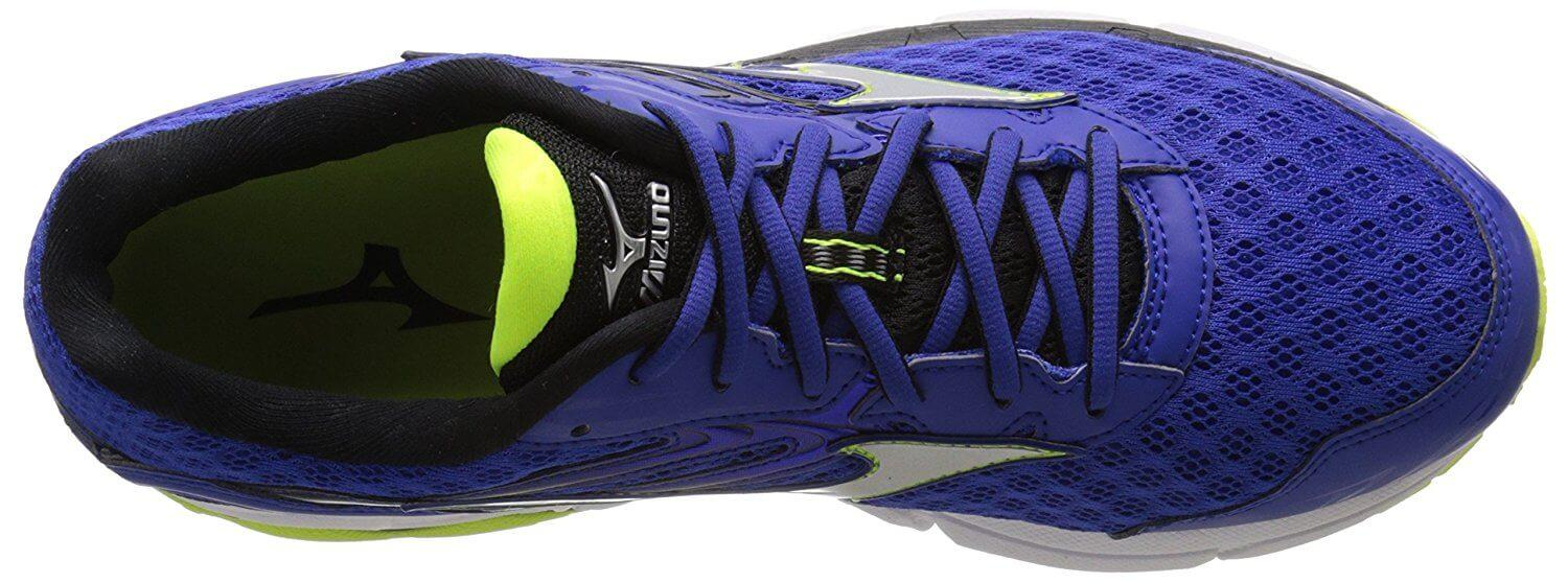 the upper of the Mizuno Wave Inspire 12 is breathable and comfortable to keep the foot cool, dry, and comfortable throughout a ride