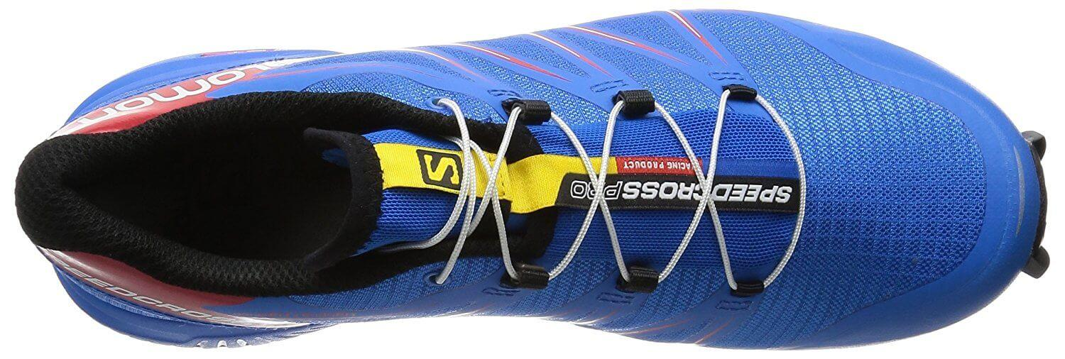 the upper of the Salomon SpeedCross Pro is flexible and keeps the foot secure after lace-up