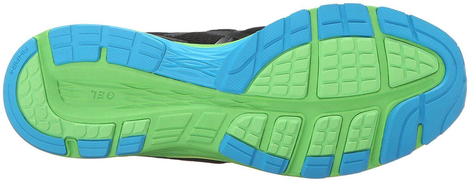 the outsole of the Asics Dynaflyte features numerous flex grooves for a flexible run