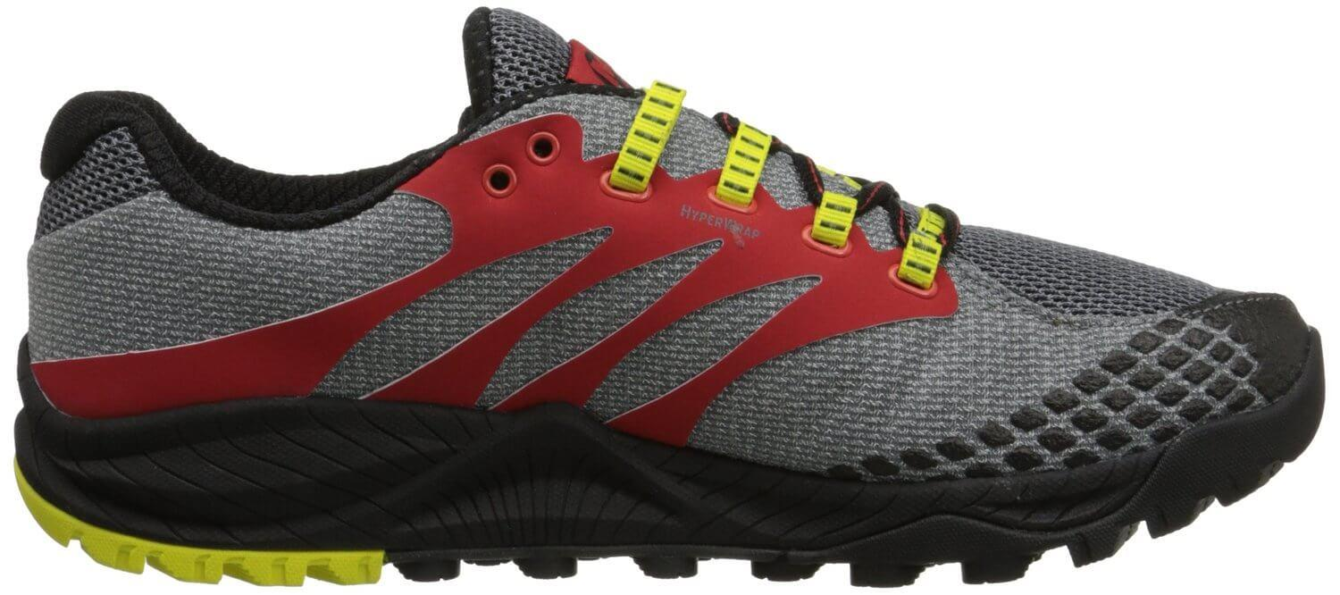 UniFly technology used in the Merrell All Out Charge's midsole ensures a lighter weight.