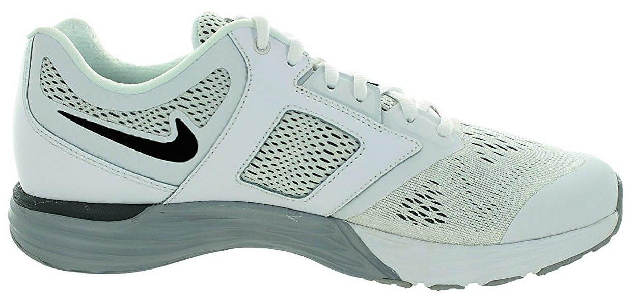 Phylon technology in the Nike Tri Fusion midsole provides strength and support for the entire shoe.