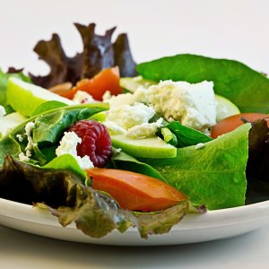 surplus-holiday-calories-salad-fresh-food-diet