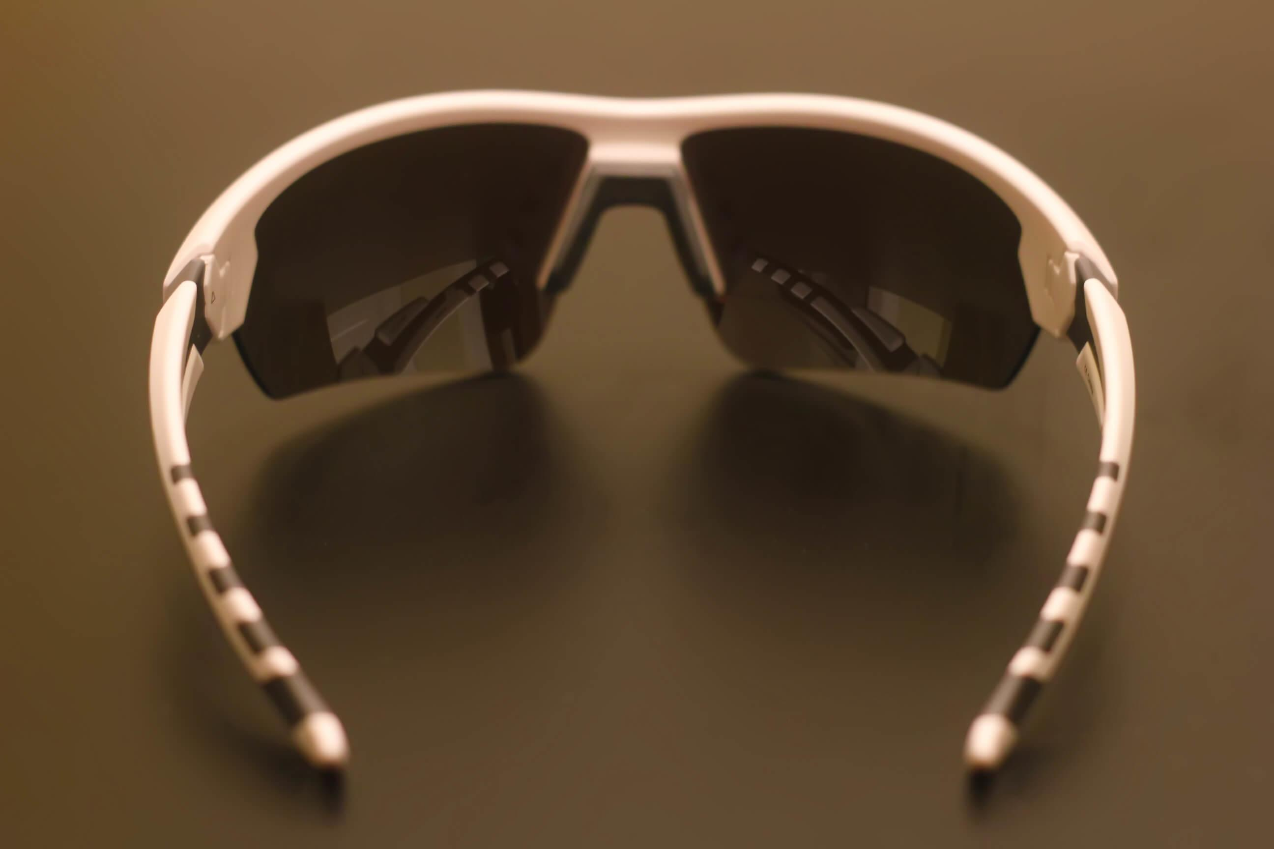 Under-Armour-Rival-Sunglasses-lenses-back-Review