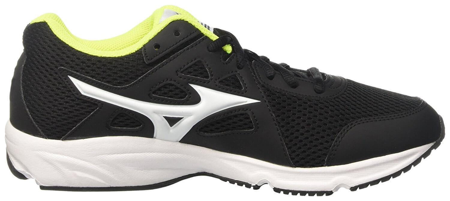 Mizuno Spark. Side In