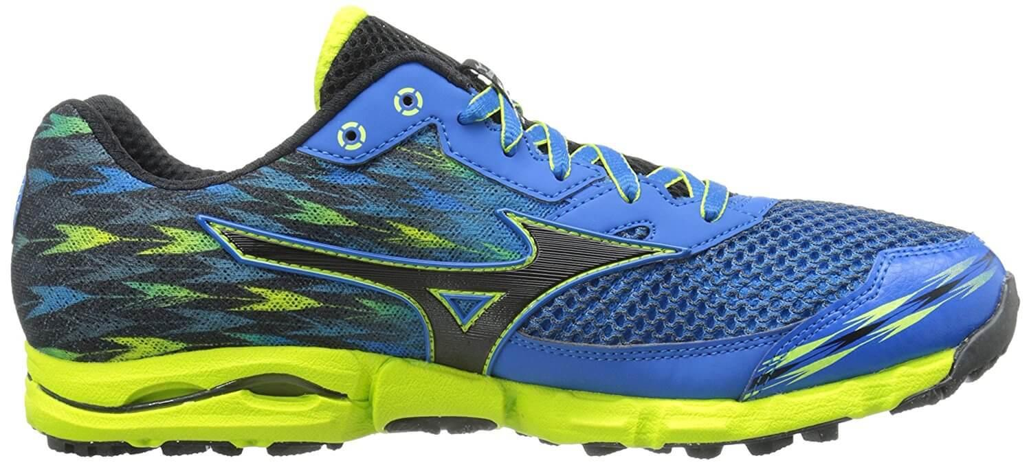 A lateral side view of the Mizuno Wave Hayate 2 trail running shoe