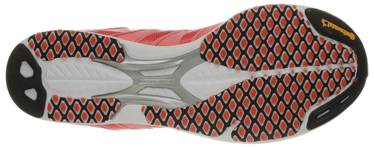 The outsole of this sneaker is made up of Continental rubber, Quickstrike rubber, and carbon rubber.