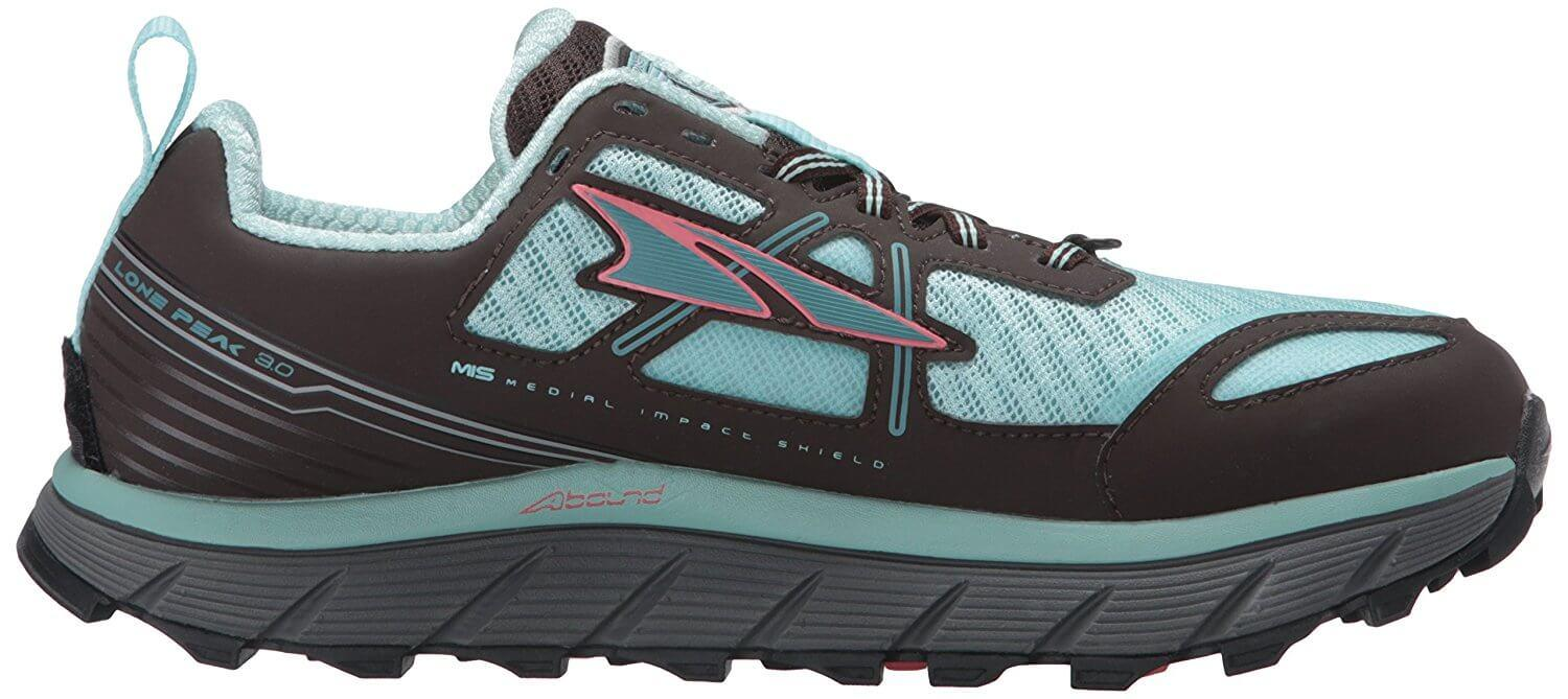 Like all Altra shoes, it features a zero drop and a good stack height.