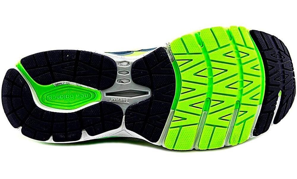 New Balance 860 v6 traction and flexgrooves