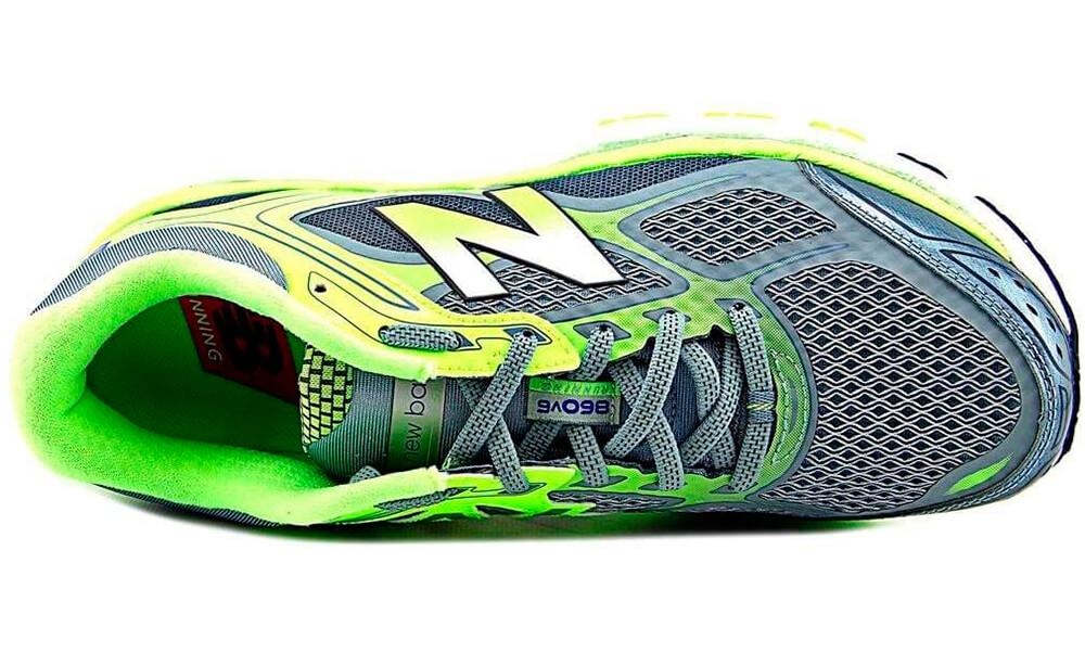 New Balance 860 v6 Breathable mesh upper