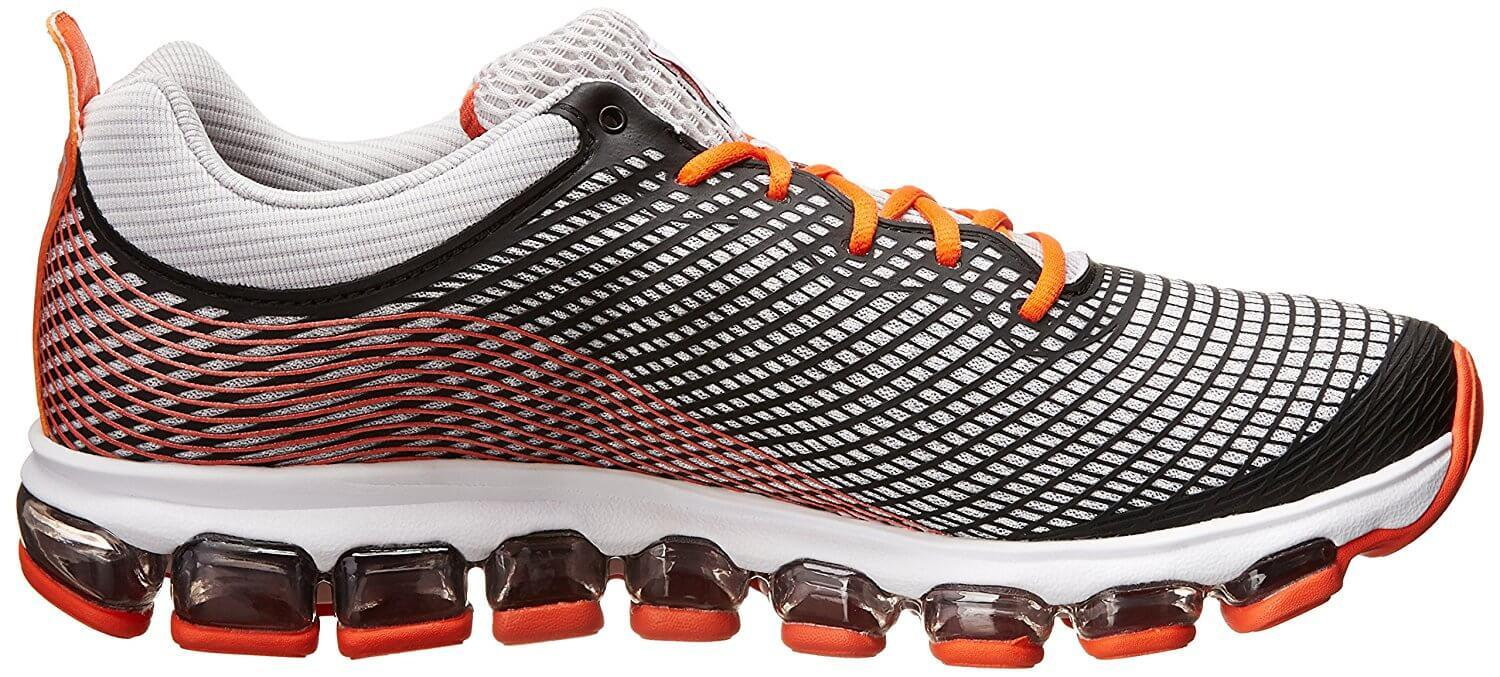 Reebok ZJet Flex Grooves for speed and natural gait