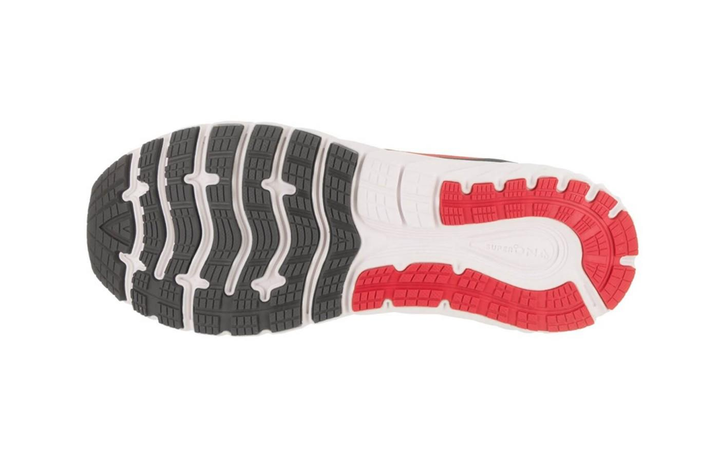 the outsole provides great traction on roads and other smooth surfaces