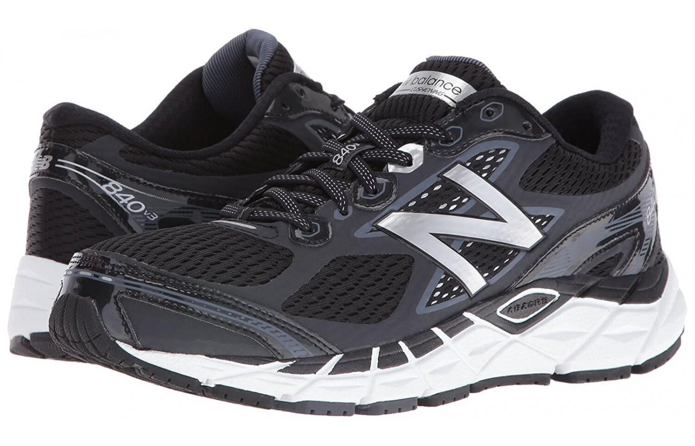 The New Balance 840 v3 is a comfortable shoe especially for those with foot pain