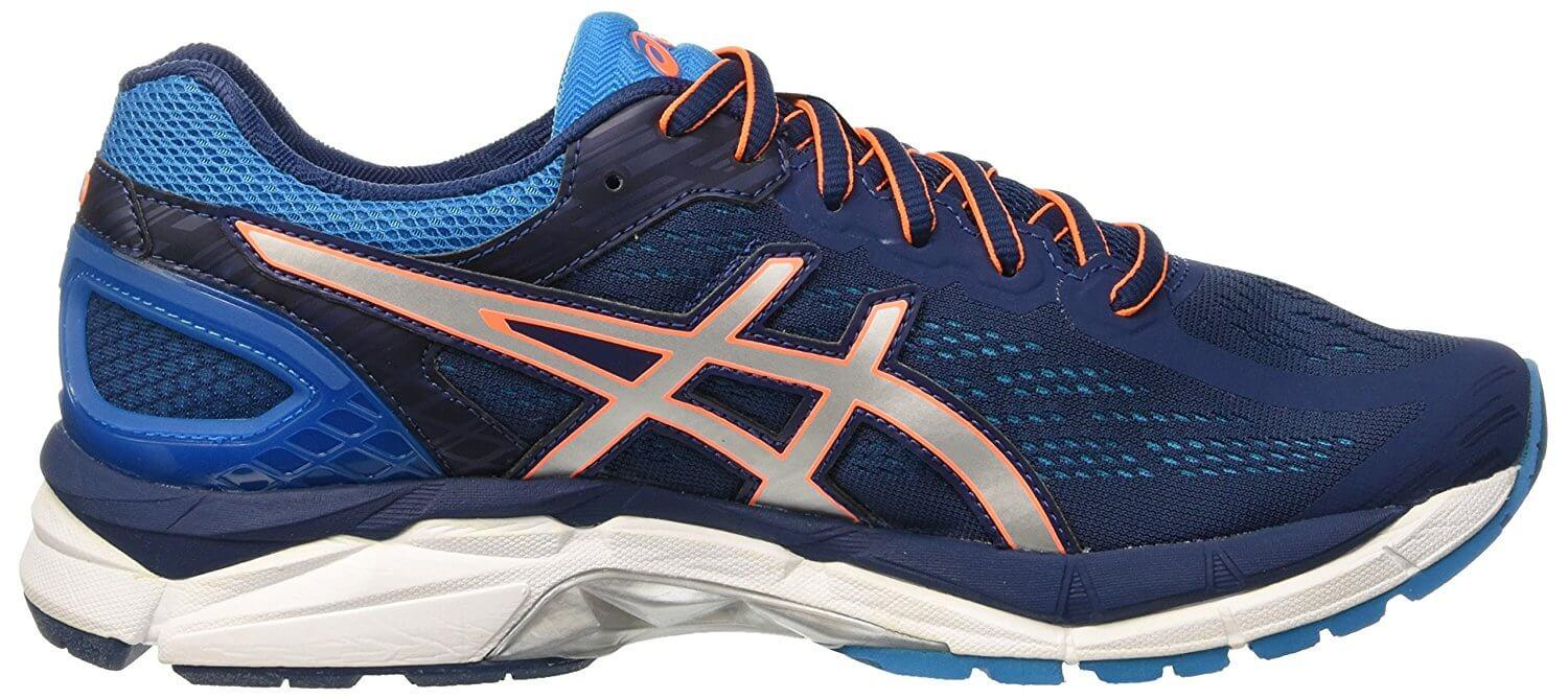 The Gel Pursue 3 prevent overpronation thanks to the midfoot base.