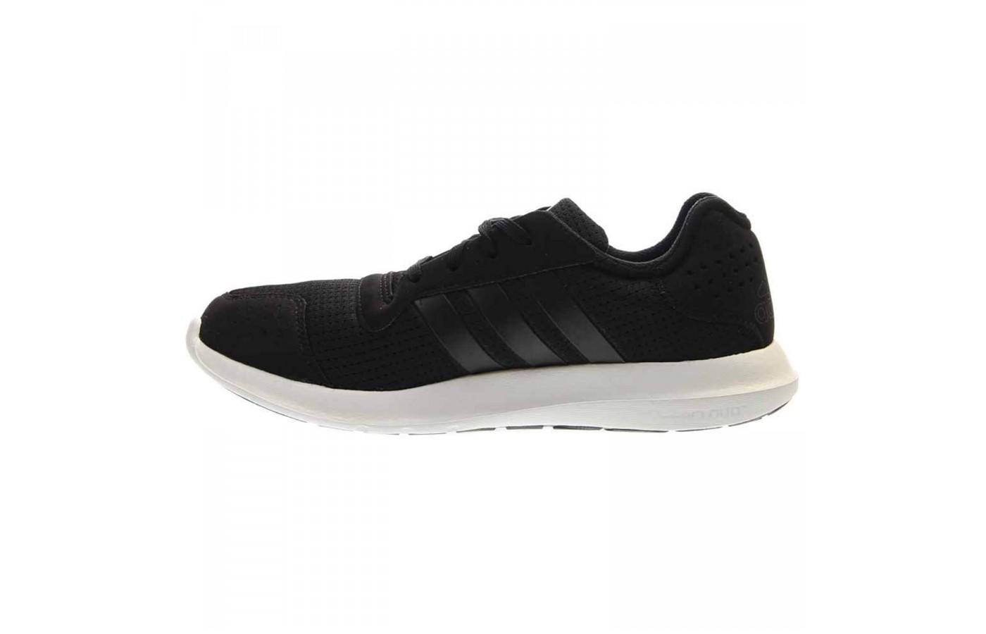 The high contrast on the Adidas Element Athletic is stylish and attractive