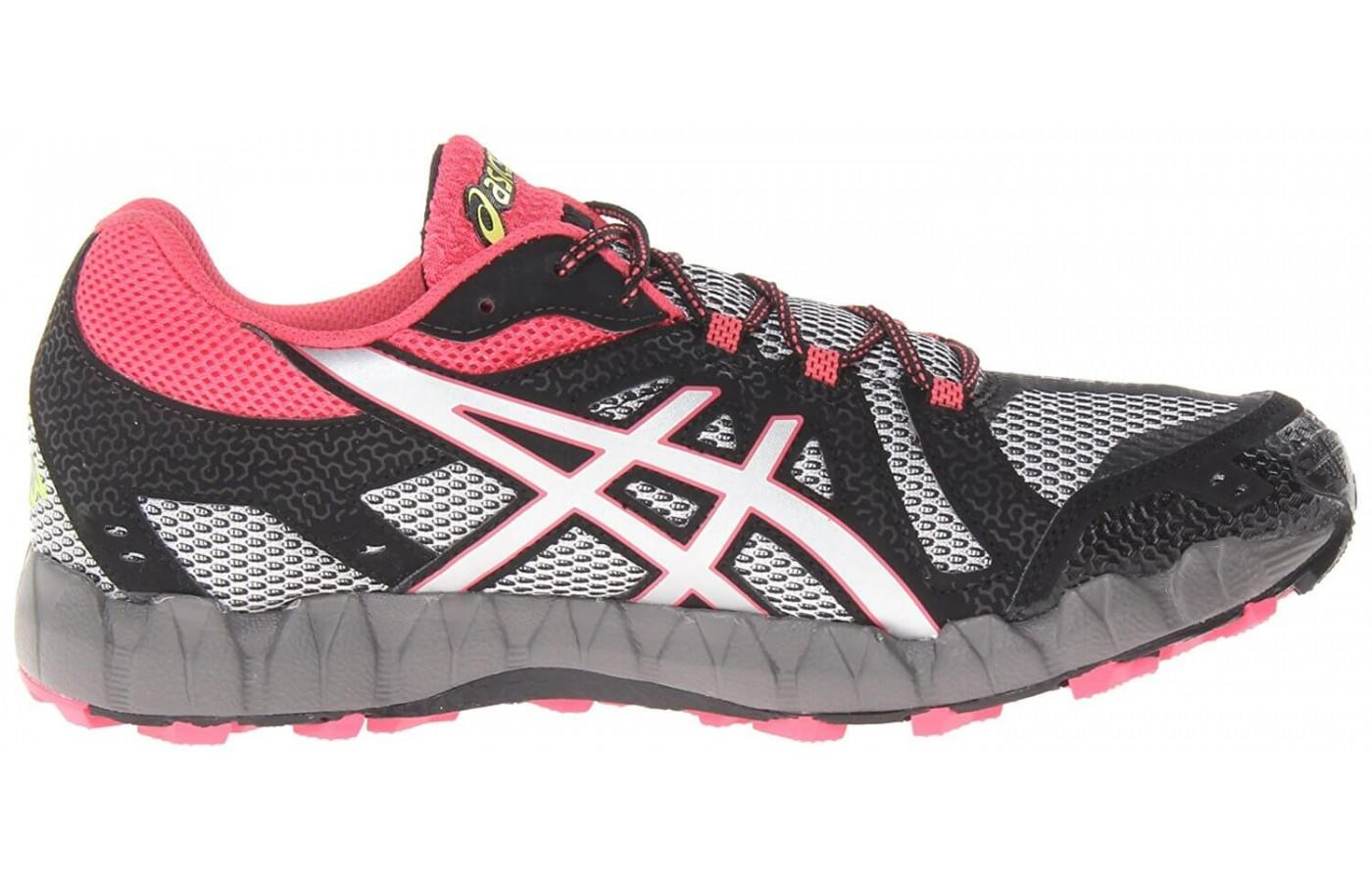 the Asics Gel FujiTrainer 3 has an anti-gravel tongue to keep debris out of the shoe