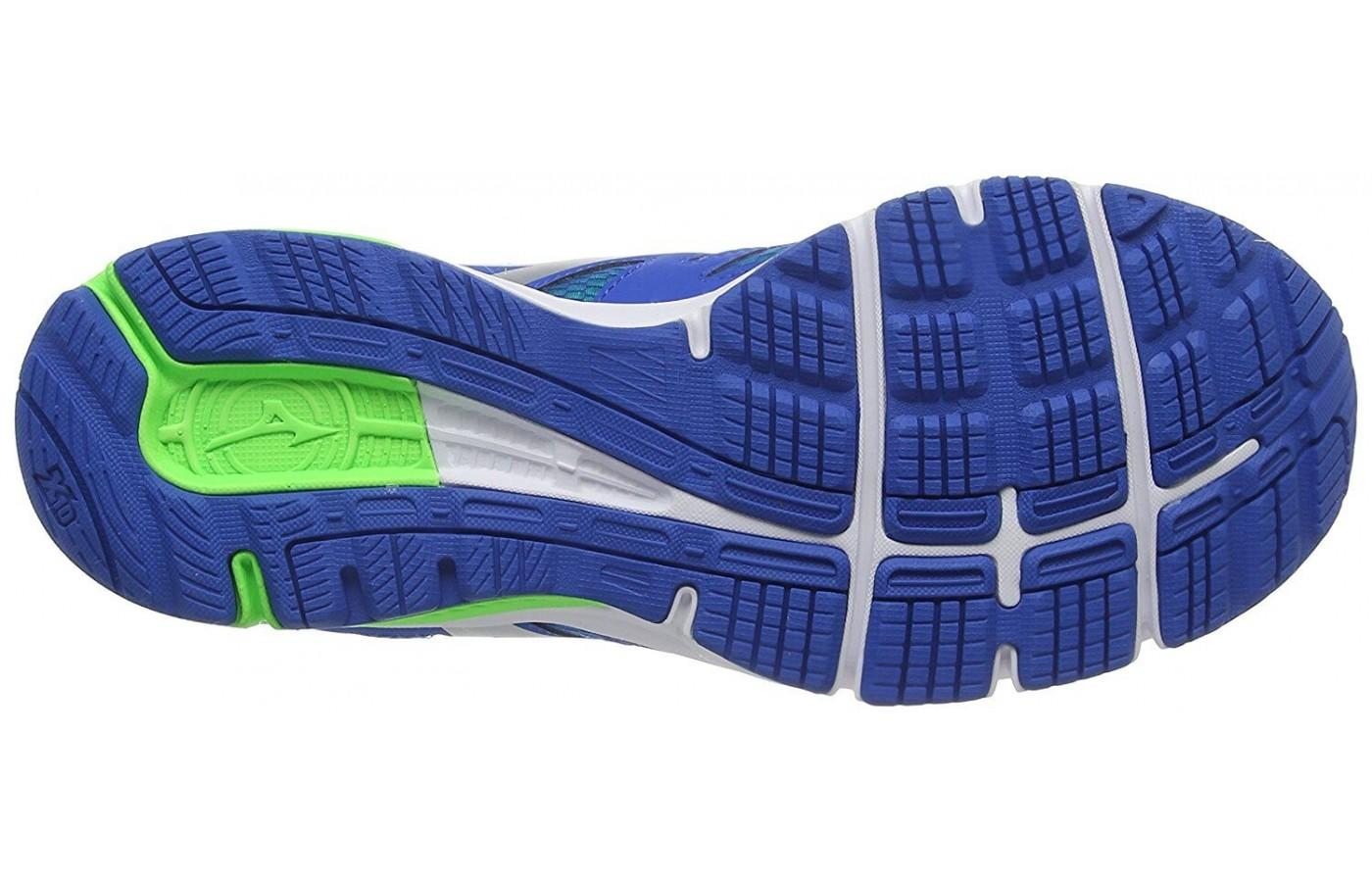 Mizuno Synchro MD features a distinctive outsole