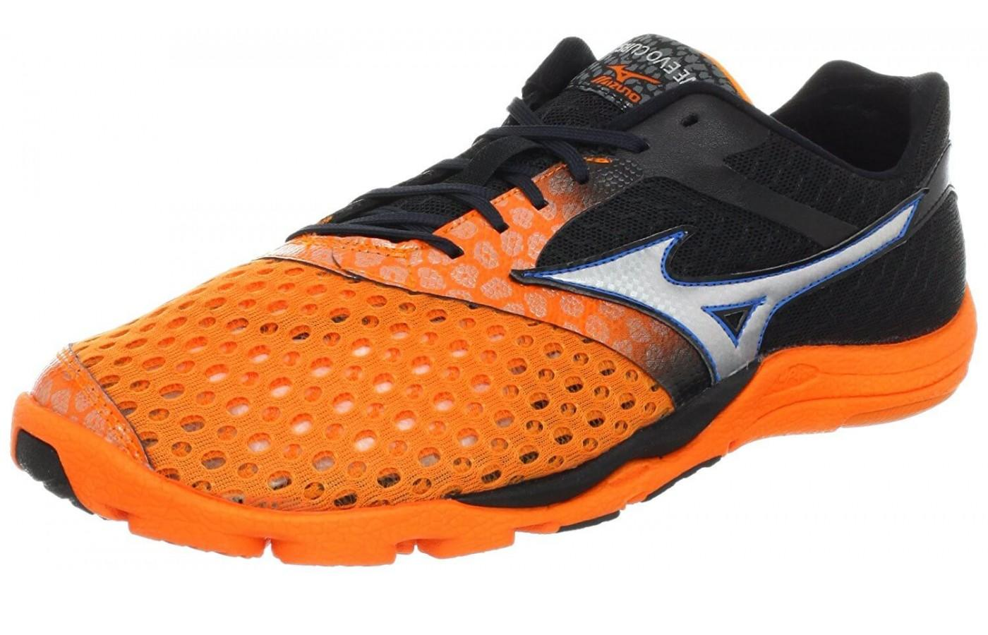 the Mizuno Wave Evo Cursoris shown from the front/side