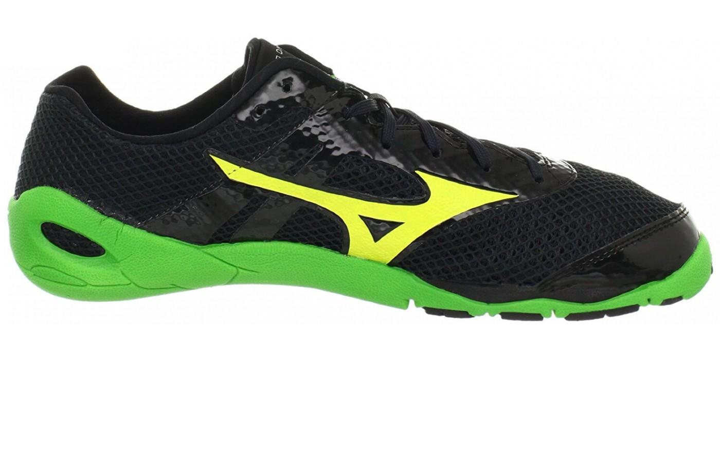 Mizuno Wave Evo Levitas has an attractive low profile look