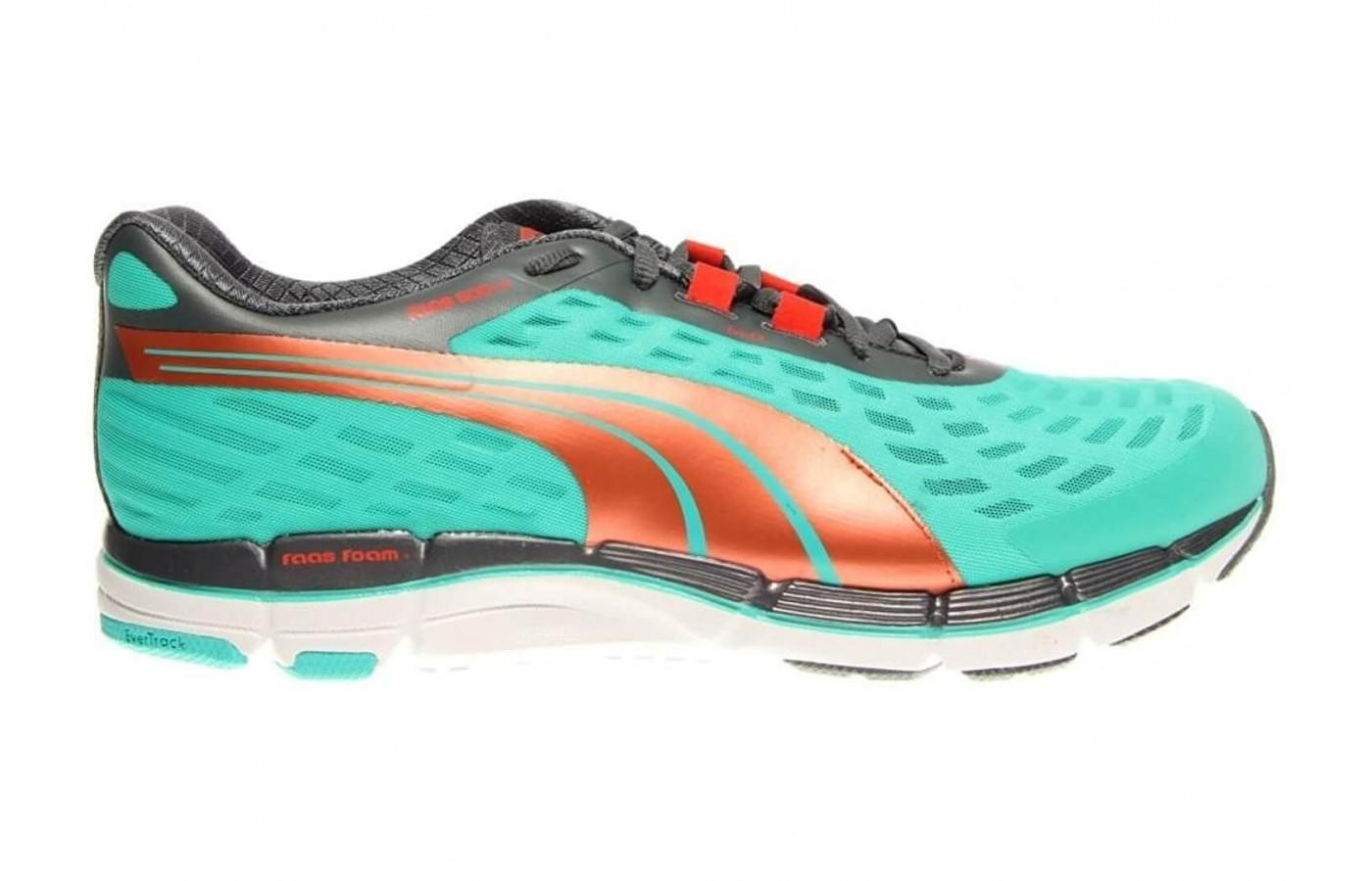 the Puma Faas 600 v2 from the right