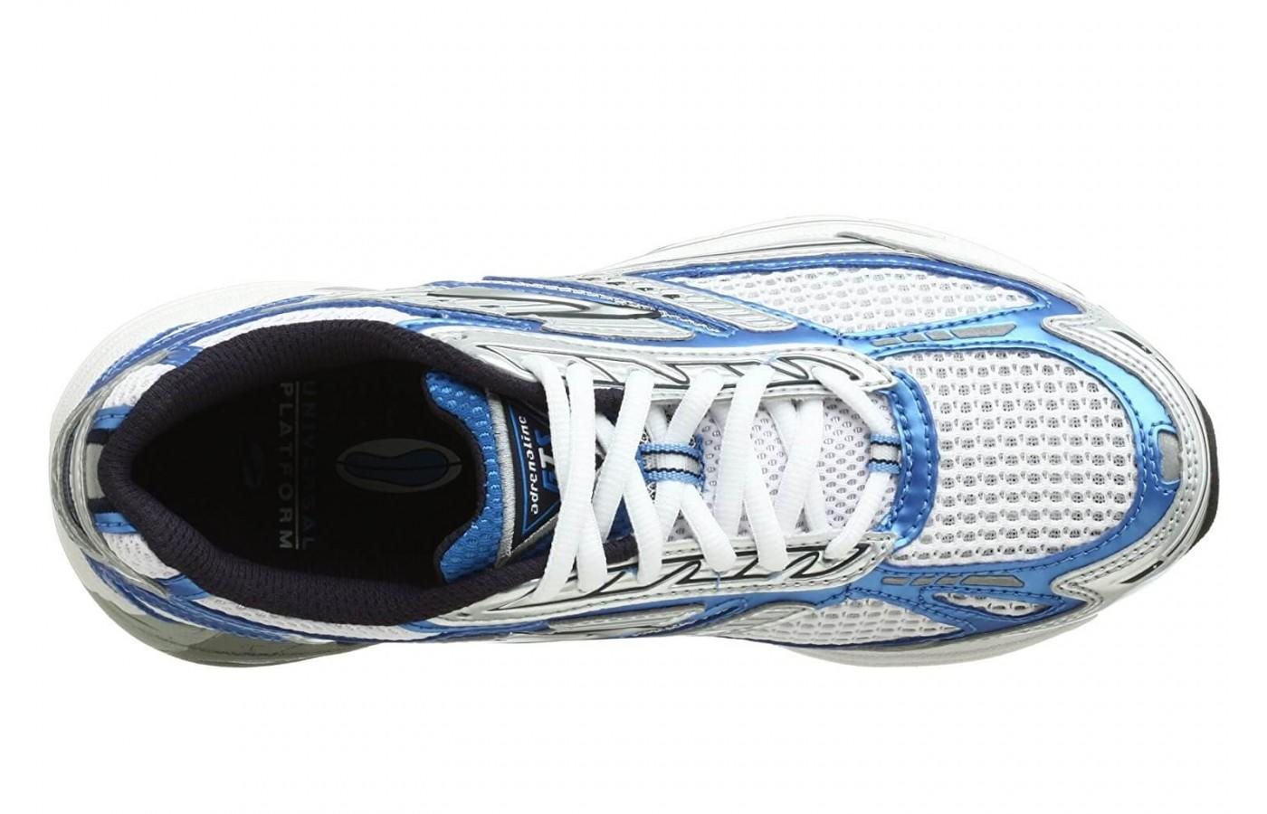 Brooks Adrenaline GTS 8 has a traditional lacing system