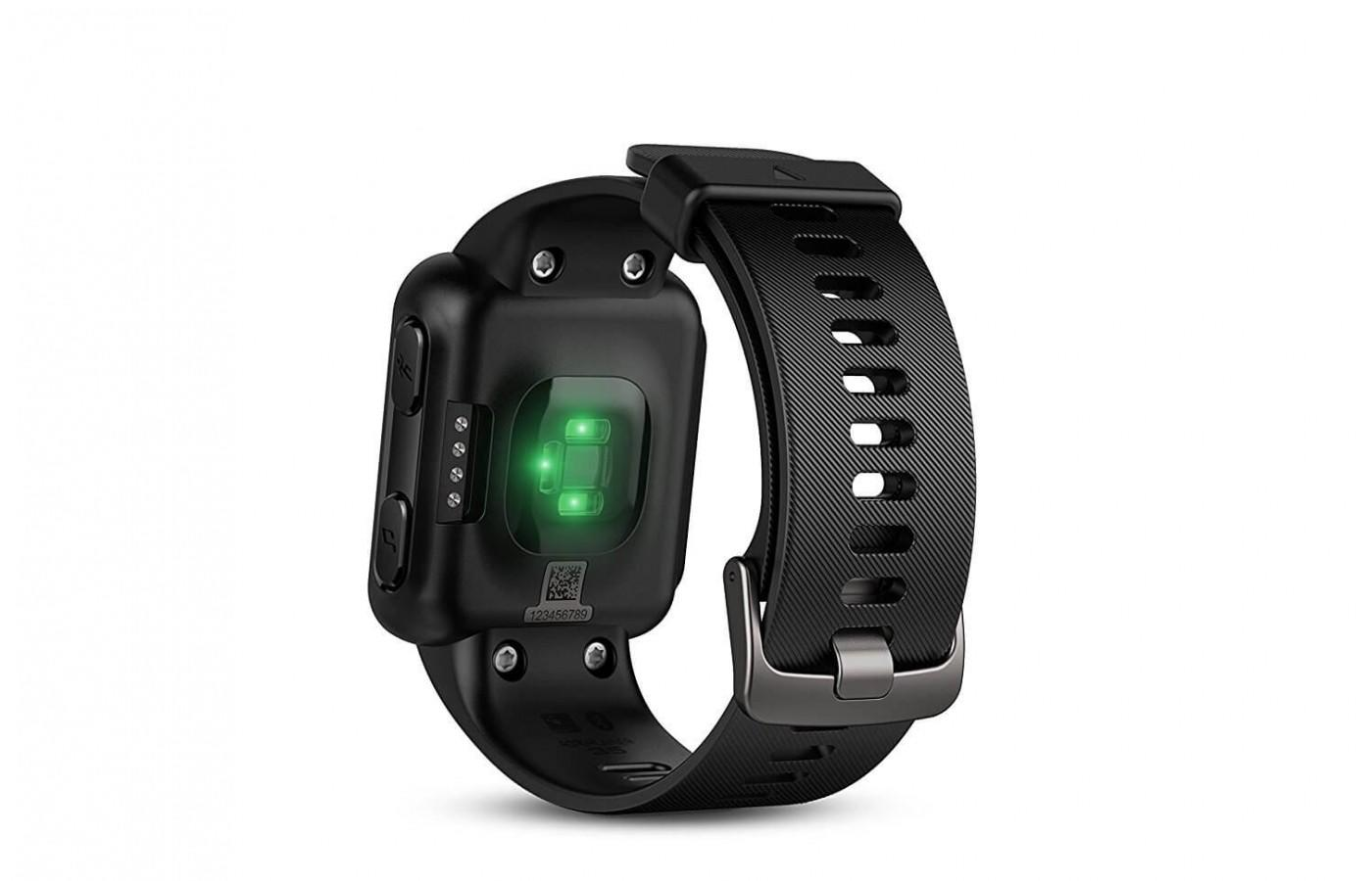 0cdfdbd9693756 ... The Garmin Forerunner 35 has a heart rate monitor in its wrist