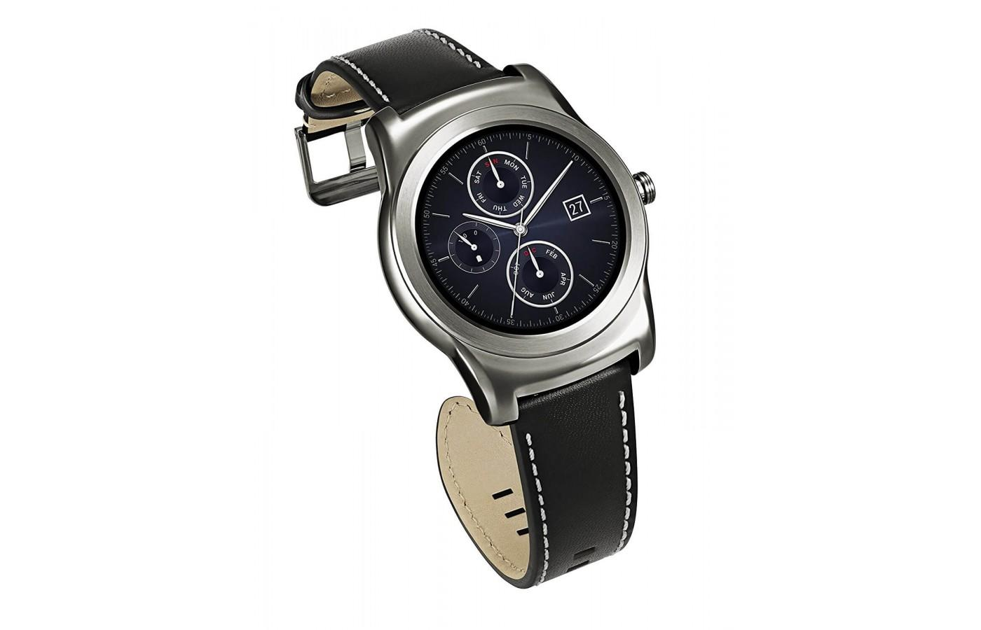 LG Watch Urbane has a built-in continuous heart rate monitor