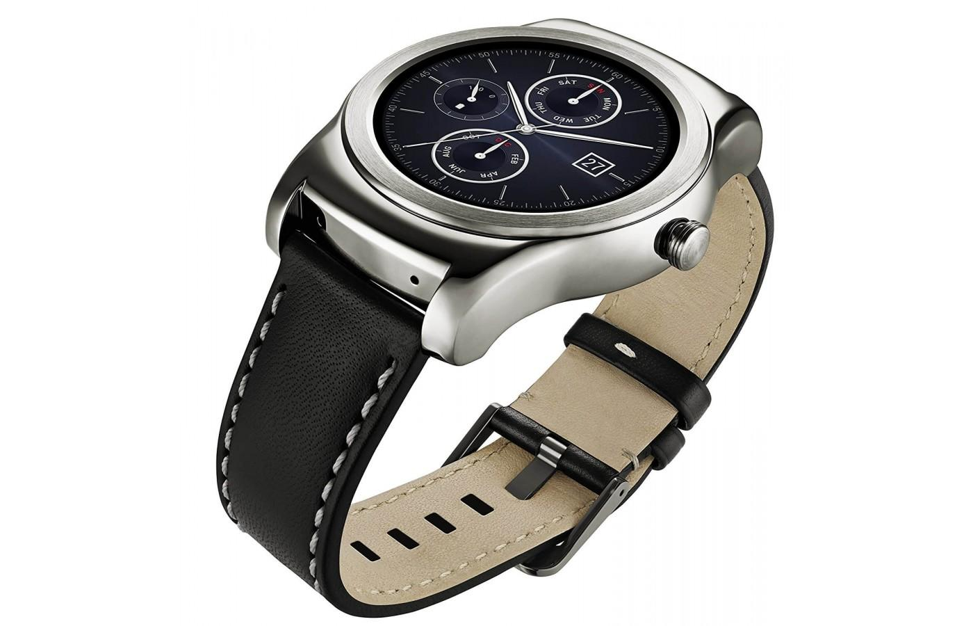 LG Watch Urbane is worn comfortably around the wrist