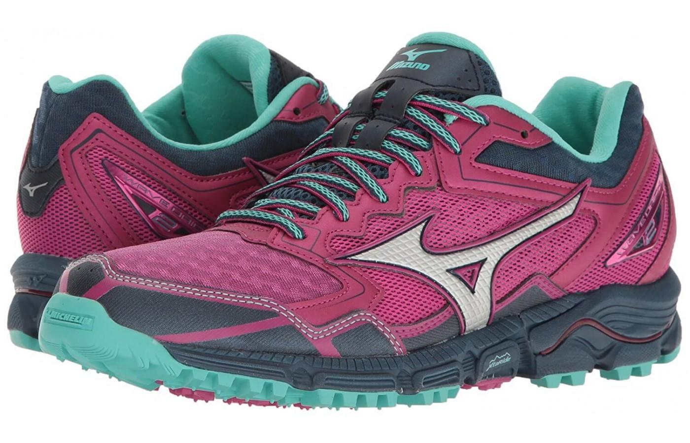 Pair of Mizuno Wave Daichi 2 women's shoes
