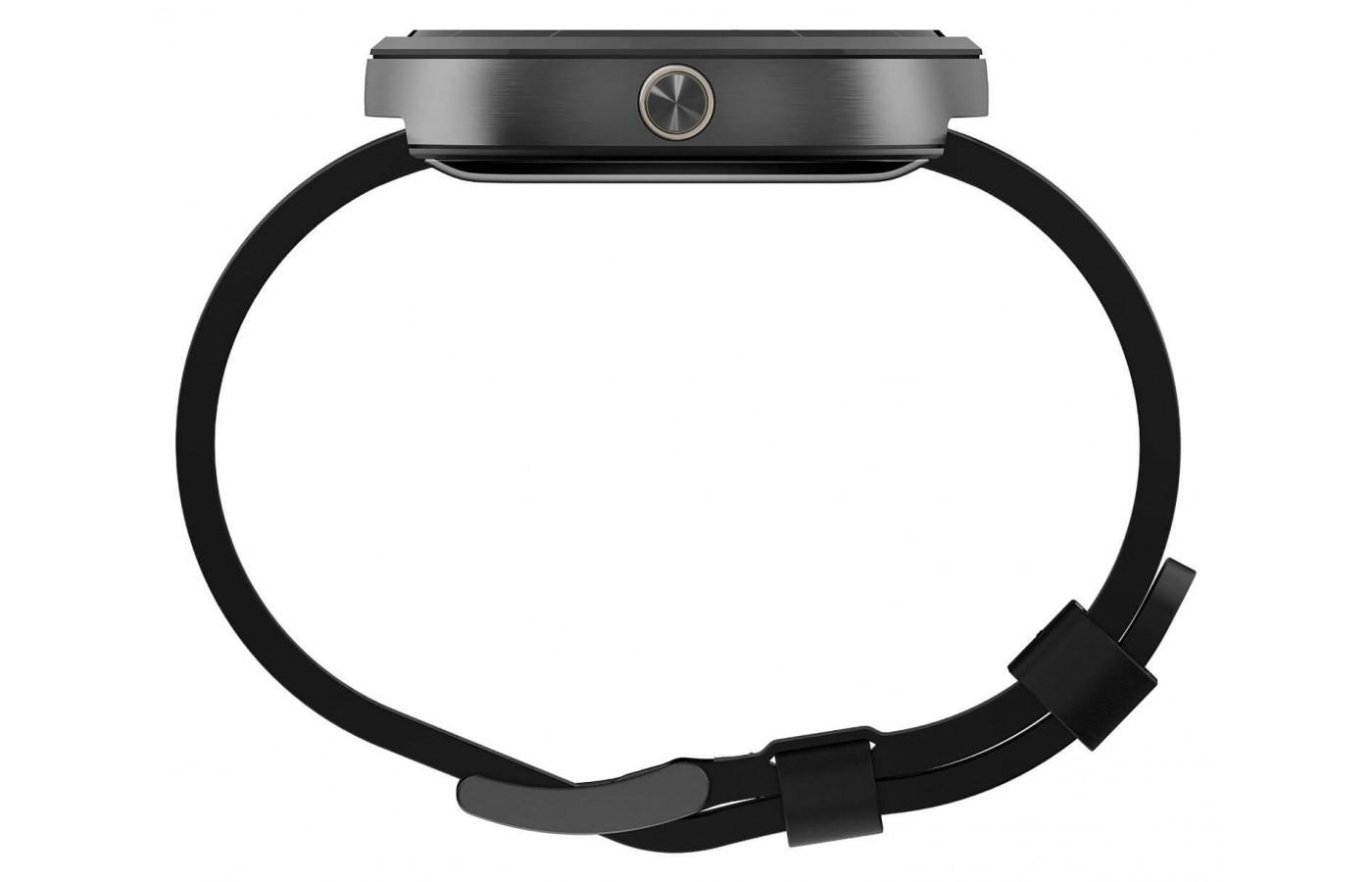 Motorola Moto 360 (1st gen.) is worn comfortably around the wrist
