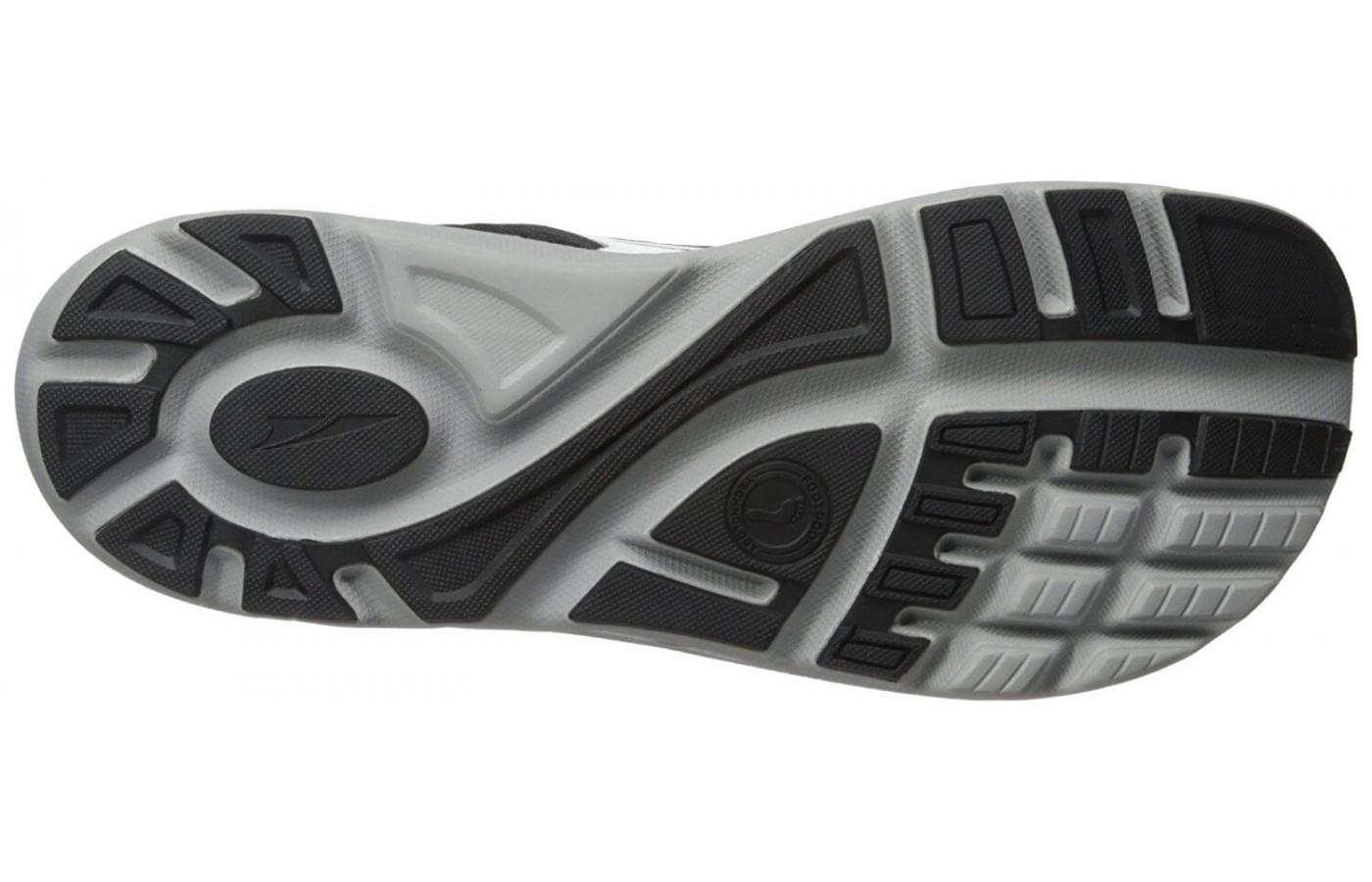 the outsole of the  Altra Paradigm 2.0 provides traction on road surfaces