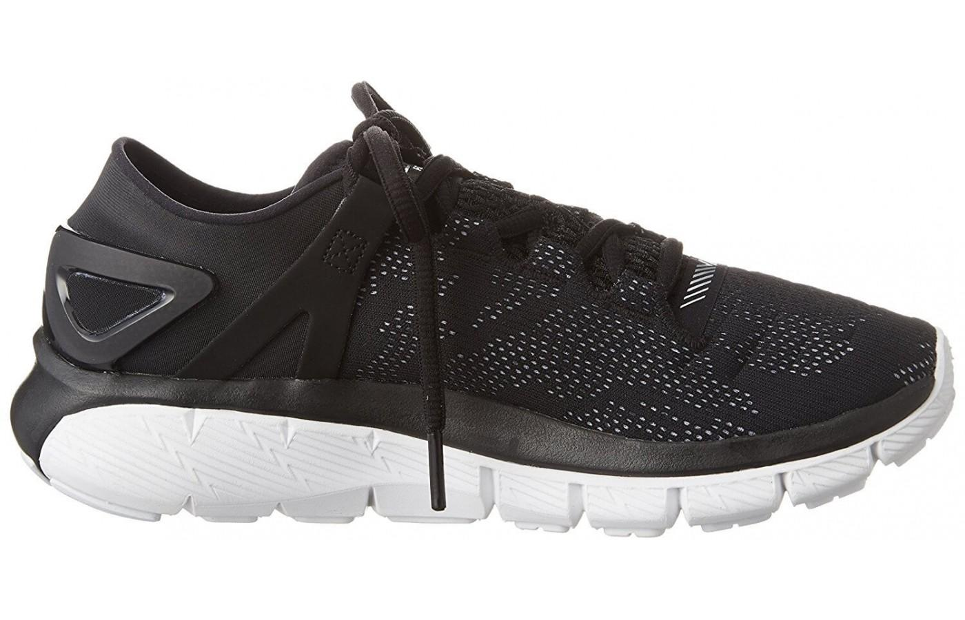 the Under Armour SpeedForm Fortis Vent from the right