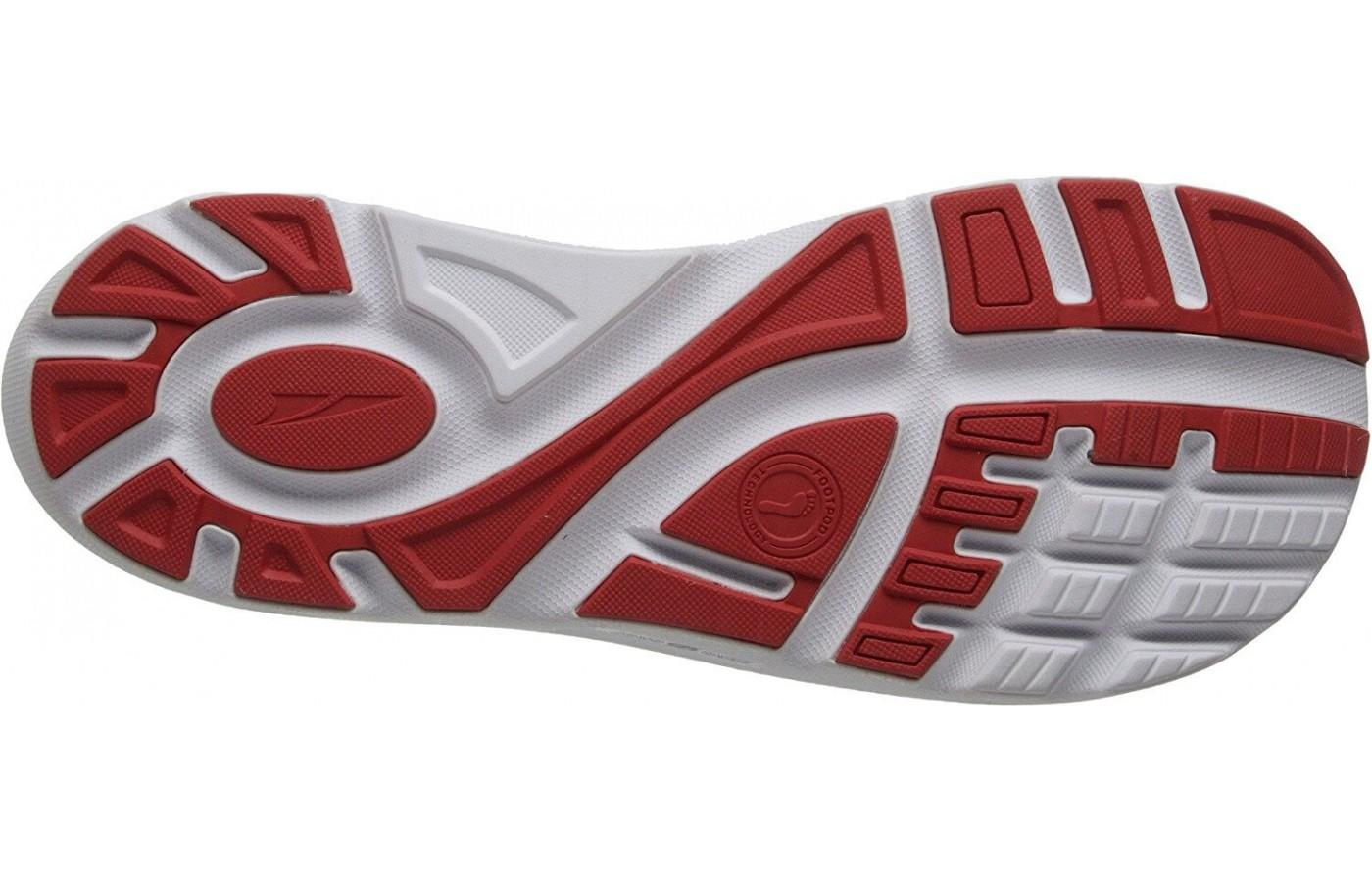 the Altra Paradigm has deep flex grooves in its outsole
