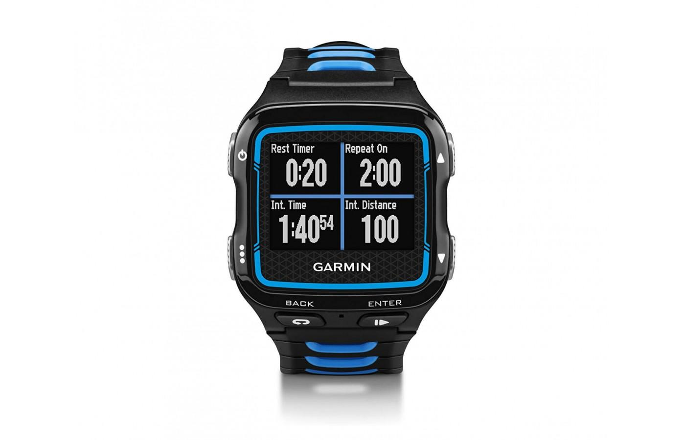 Garmin Forerunner 920 XT features a slick screen