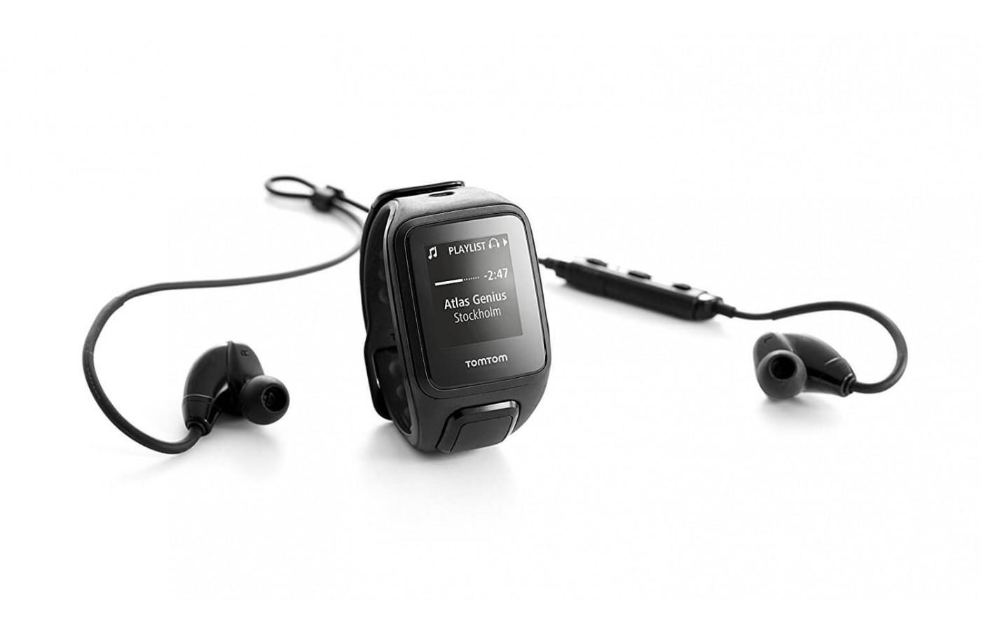 TomTom Spark Music comes with headphones