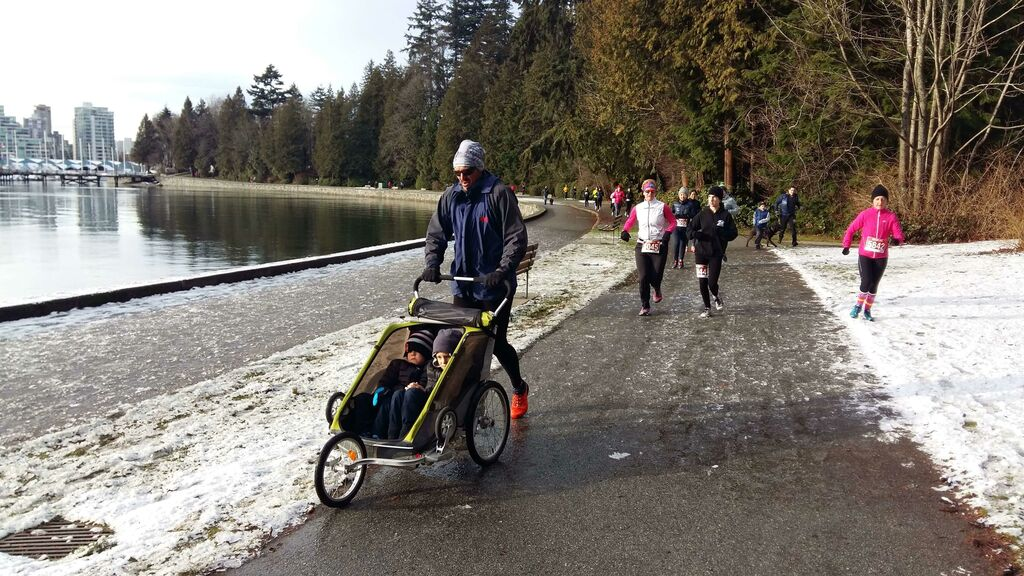 Urban winter trail, Resolution run with stroller, Vancouver