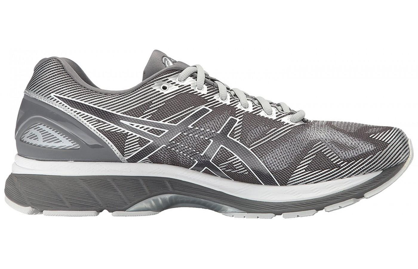 The seamless construction of the ASICS Gel Nimbus 19 upper reduces foot irritation.
