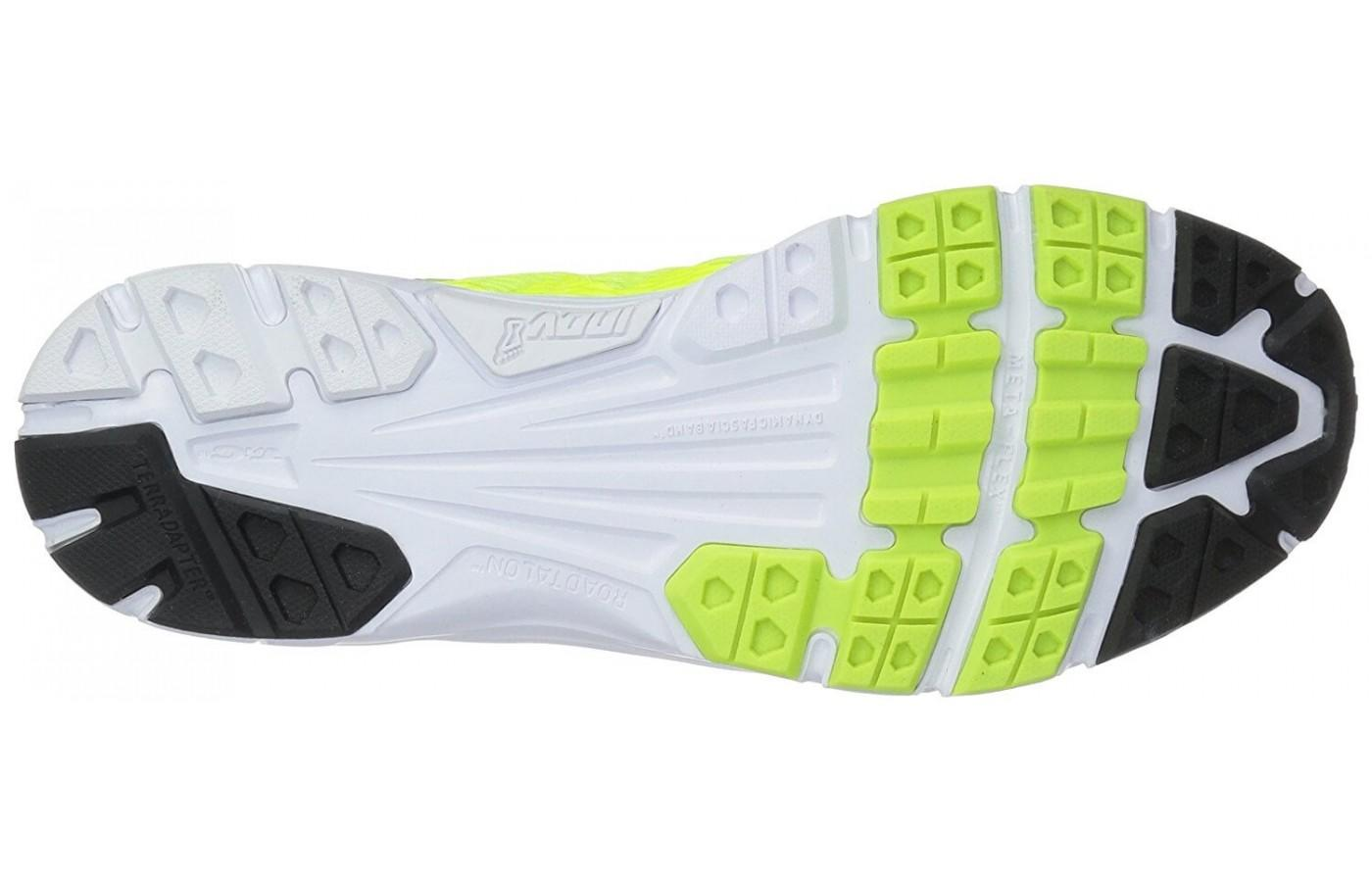 The TRI-C rubber outsole is a blend of 3 different rubbers for maximum grip and durability.