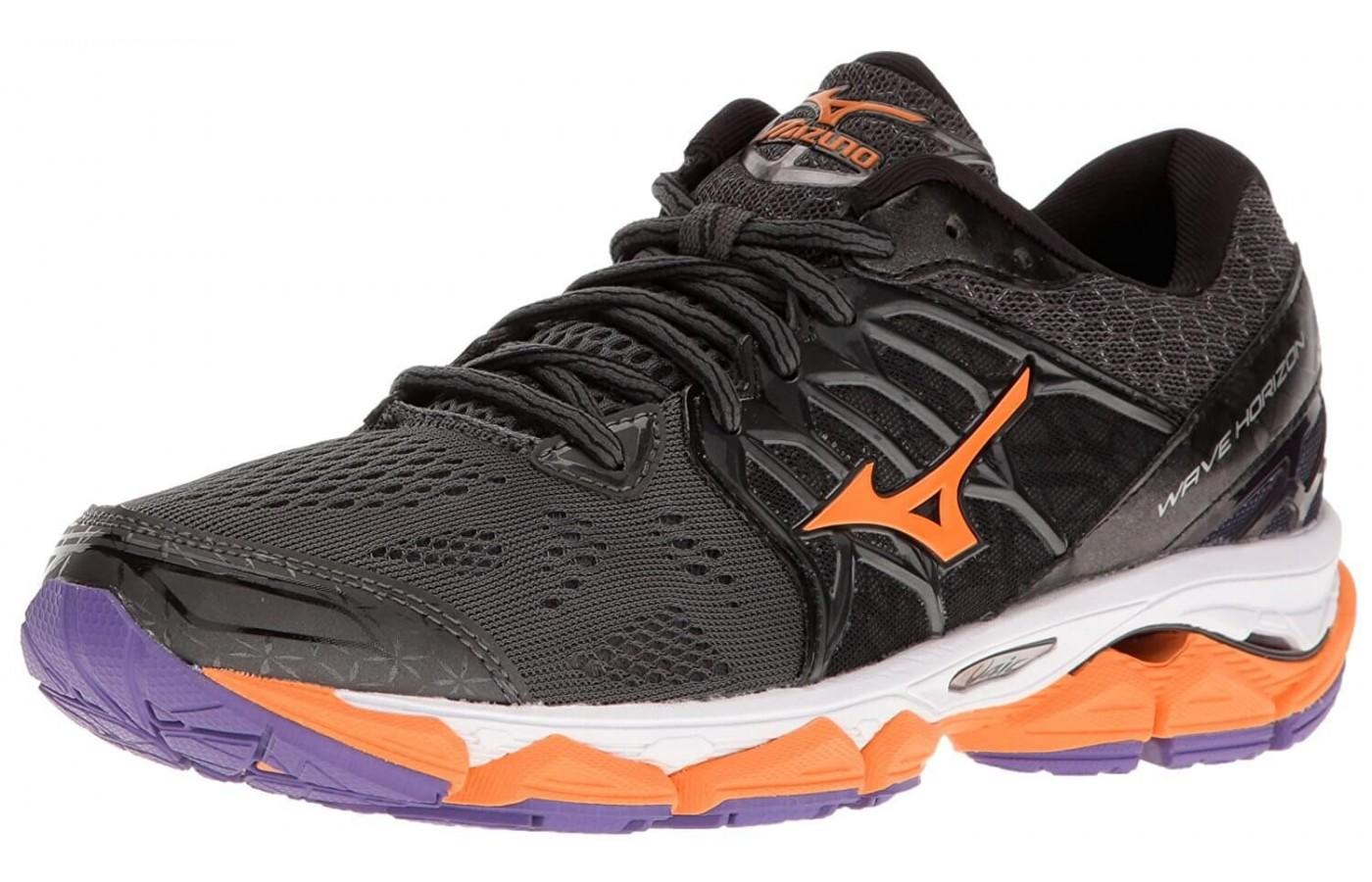 The Mizuno Wave Horizon shown from the front/side