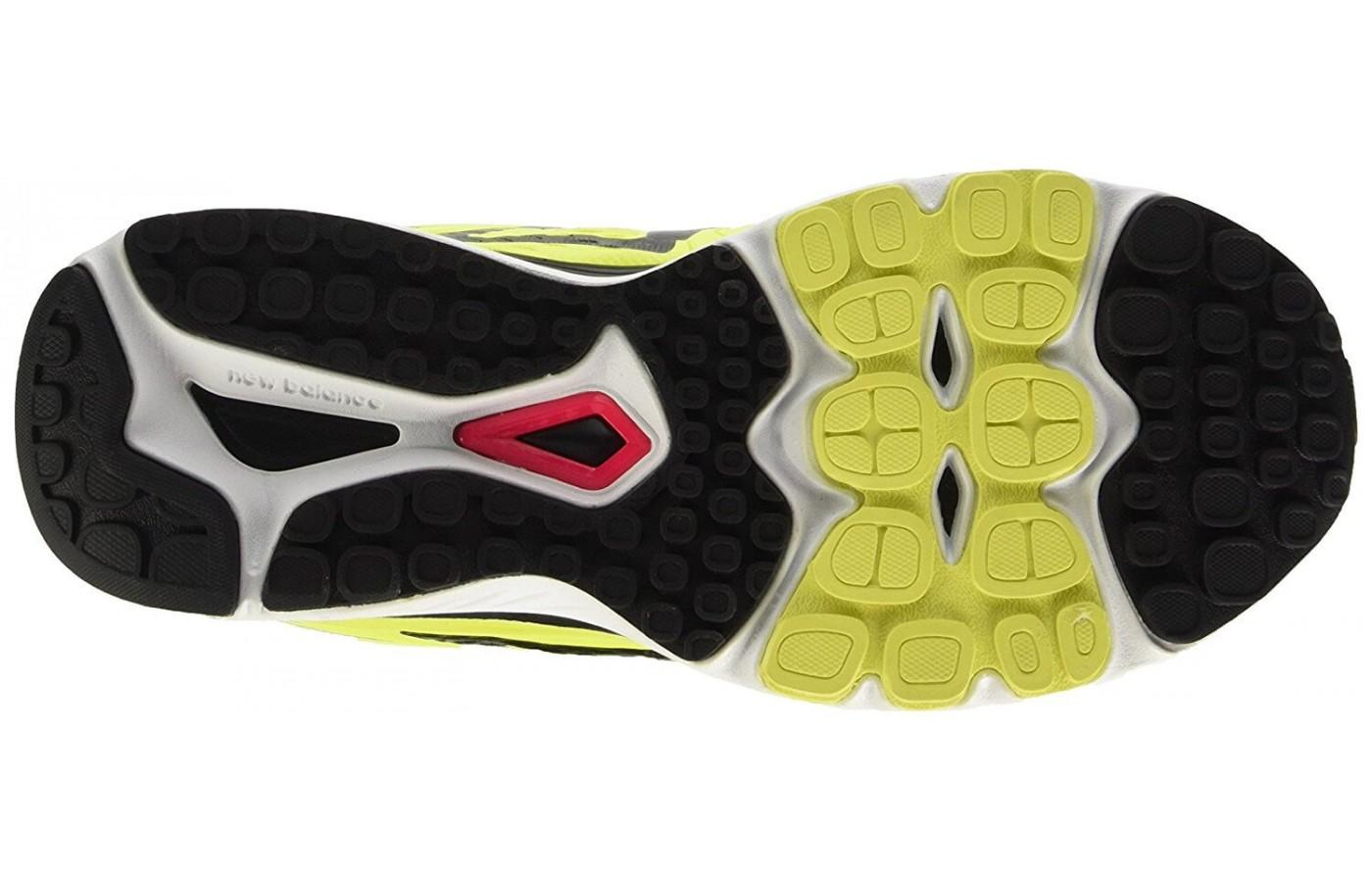 11578efc79ee8 ... Outsole of the New Balance 880 V7 is made of blown rubber ...