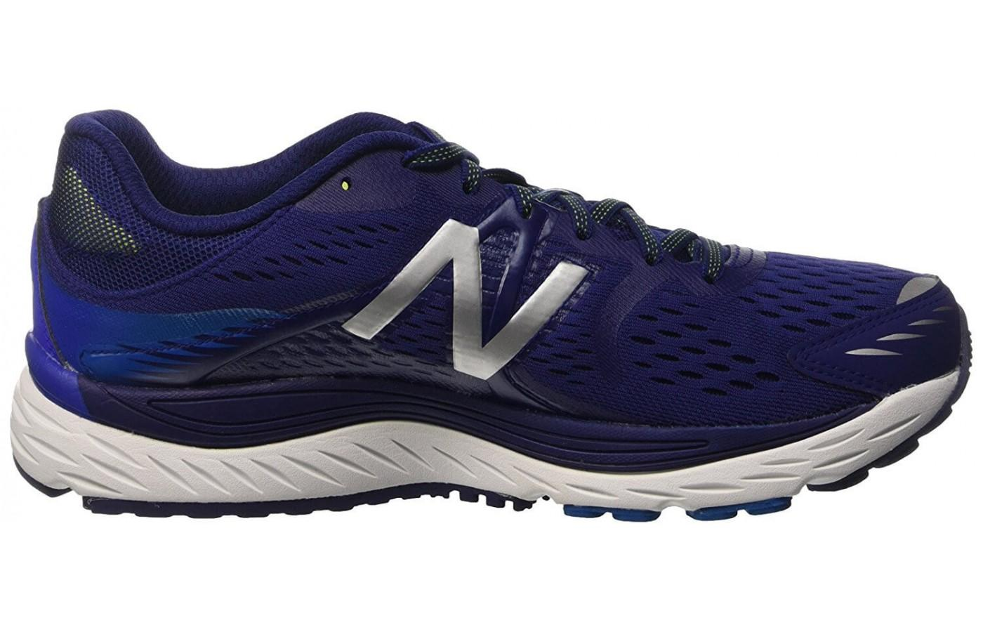 Men's dark blue color option for the New Balance 880 V7